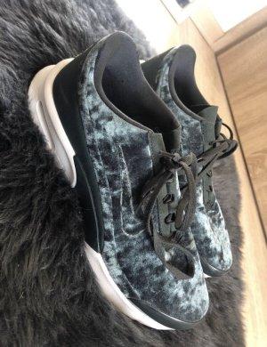 Nike Jewell Premium Gr. 41