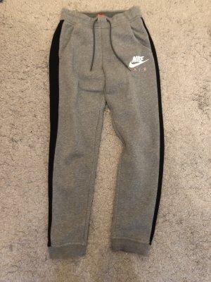 Nike Pantalon de sport gris-noir