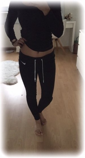 Nike Jogginghose in schwarz mit Kordelzug #nikeleggings, warmer stoff
