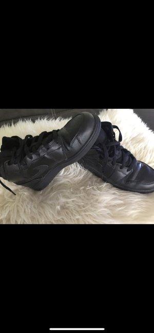 Nike Jordan Air Force