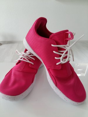 Nike Jordan Eclipse in Pink