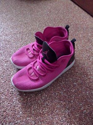 Nike Jordan / Turnschuhe 41