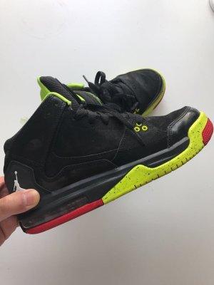 Nike Jordans Retro Edition