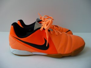 Nike Jr  CTR 360 Hallenschuhe Größe 36, sehr guter Zustand. NP 59,95 Euro.....
