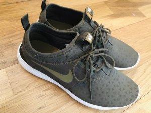 Nike Sneaker slip-on verde oliva-cachi