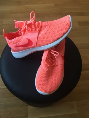 Nike Juvenate atomic pink/bright crimson