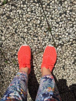 Nike juvenate hot Lava