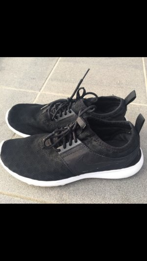 Nike Juvenite Flyknit all Black in 38,5