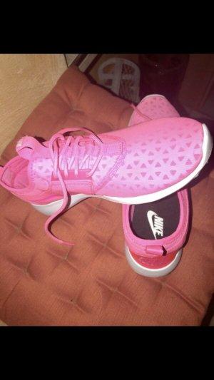 Nike Juvente 39 pink