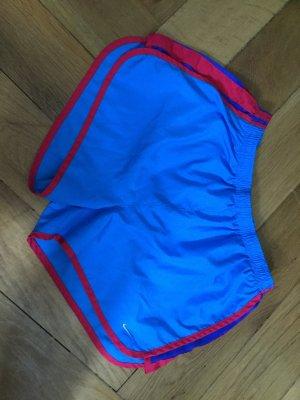 Nike, kurze Sporthose, Trainingsstoff, blau-rot