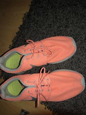 Nike Lachsfarben sneaker