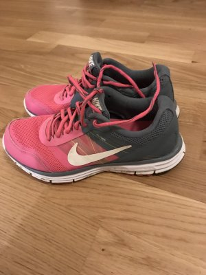 Nike Lace-Up Sneaker pink-grey