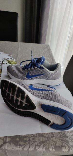 Nike Laufschuhe