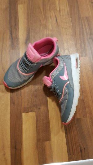 Nike Sneaker stringata grigio-fucsia neon
