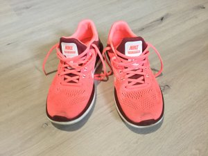 Nike Lace-Up Sneaker bright red mixture fibre