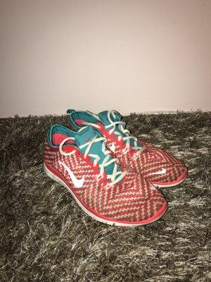 Nike Laufschuhe •NEU