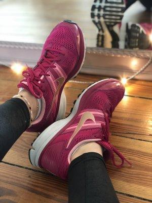 Nike Laufschuhe pink