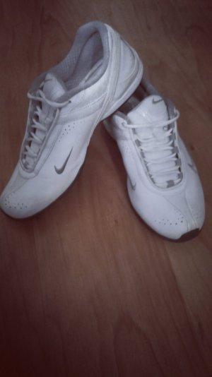Nike Laufschuhe/Sneaker