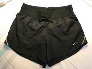 Nike Laufshorts dri-fit, Gr. XS, neuwertig