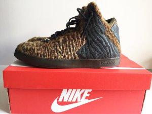 Nike LeBron Sneaker Größe 42 (41)