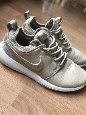 Nike Leder Gr. 39