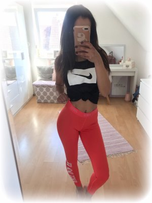 Nike leggins, tight, Koralle, Nike Schriftzug am Bund und am Bein, just do it, S
