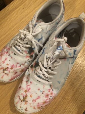 Nike Limited Edition Cherry Blossom