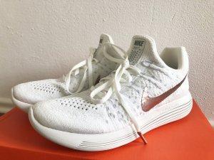 Nike Lunarepic in Weiss und Roségold