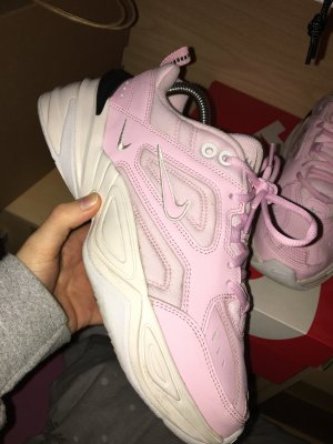 Nike M2K Tekno Pink Rosé