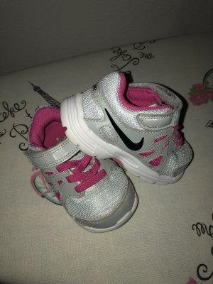 NIKE Mädchen Sportschuhe Sneakers Gr. 21 TOP