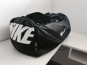Nike Max Air Sporttasche schwarz Large guter Zustand Reisetasche