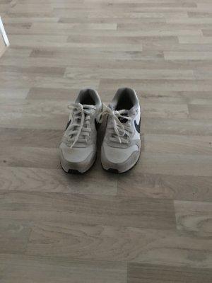 Nike MD RUNNER 2 Damen gr 37,5
