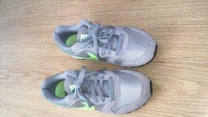 Nike MD RUNNER 2 Sneaker 38,5