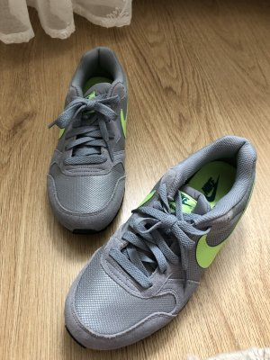 Nike Basket à lacet argenté-vert fluo