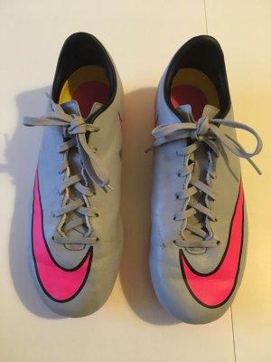 Nike MERCURIAL Fußballschuhe in der Größe 38.5 Sehr guter gebrauchter Zustand.