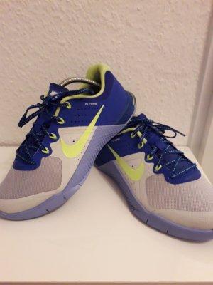 Nike Basket à lacet gris clair-bleu