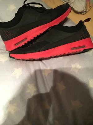 Nike Modell Thea,sehr wenig getragen!