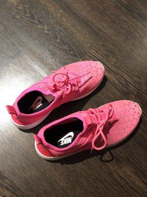 Nike - neonpink