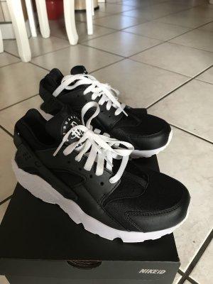 Nike..  Neu ..