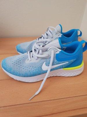 Nike Odyssey Laufschuh Gr. 40 Neu