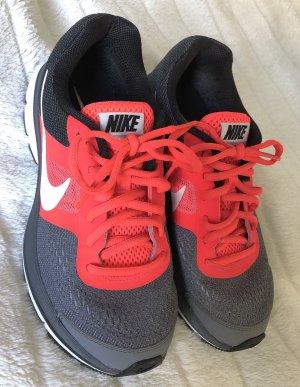 Nike Pegasus, Größe 37,5 , schwarz/grau/rot, Sneaker / Sportschuh