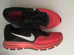 Nike Pegasus in pink/schwarz Größe:39