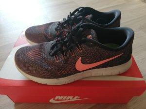 Nike Performance Free Run Laufschuh