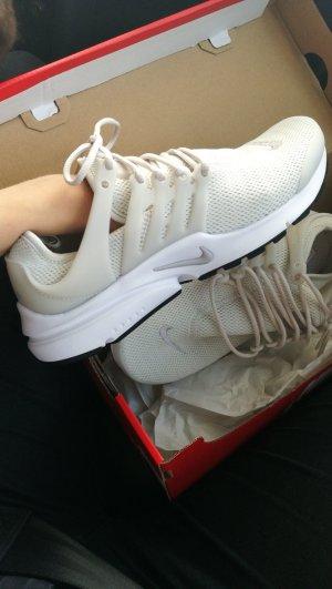 Nike Presto Beige 37