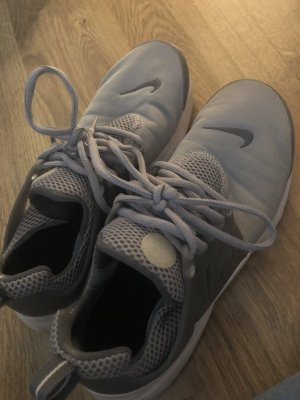 Nike presto grau