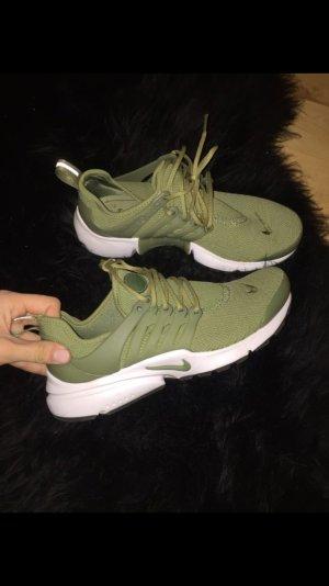 Nike Presto Olive NEU