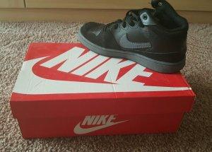 Nike Priority Mid, Gr. 39