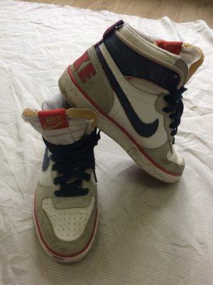 Nike Retro-Look 80er