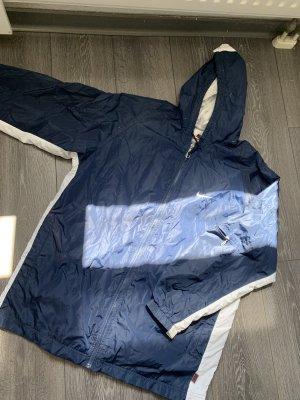 Nike Chubasquero azul oscuro-blanco