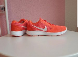 Nike Revolution 3 Laufschuhe Turnschuhe Sneaker